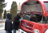 A tűzoltókocsit Nigériába vitték a vevők. Az árát családi házba fektették a dénesfaiak.